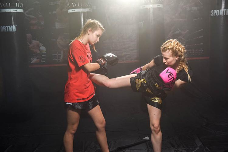 Кикбоксинг и тайский бокс для девушек