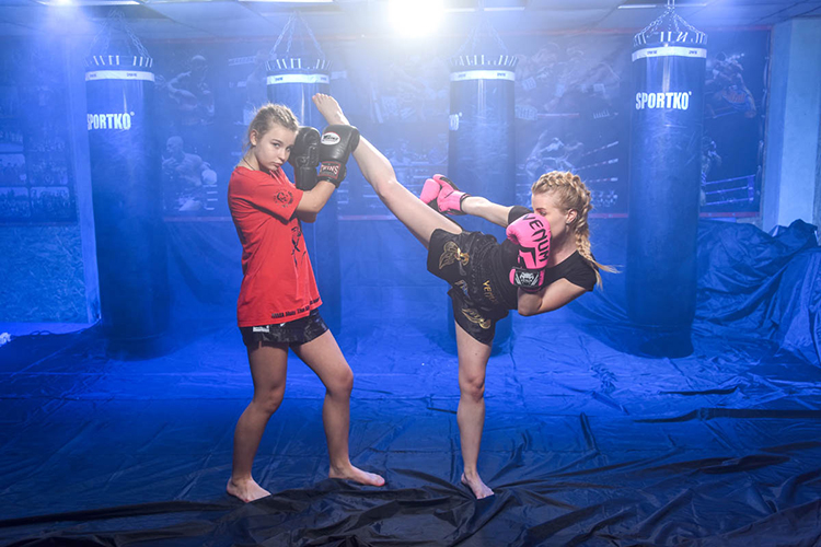 Кикбоксинг или тайский бокс для девушек